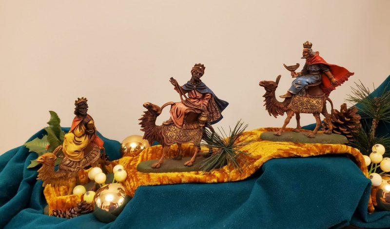 three magi on camels