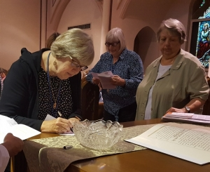 Signing of Oblate commitment cards